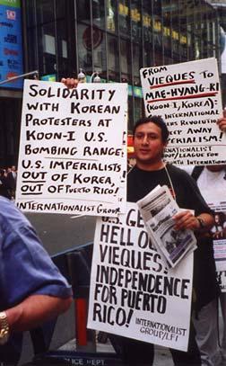 Protester i USA mot Sydkoreas och USAs militära hot mot DFRK